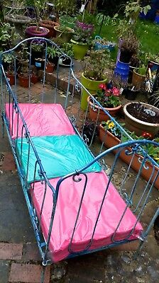 French Antique/Vintage Metal Cot or Day Bed in Blue.