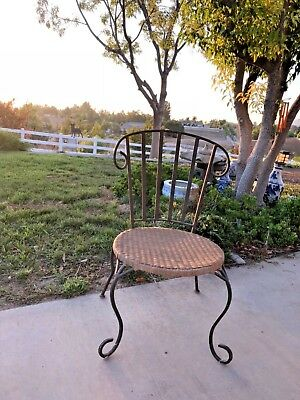 VINTAGE 70s- 80s FRENCH GARDEN TERRACE PATIO WICKER CHAIR WROUGHT IRON LEGS
