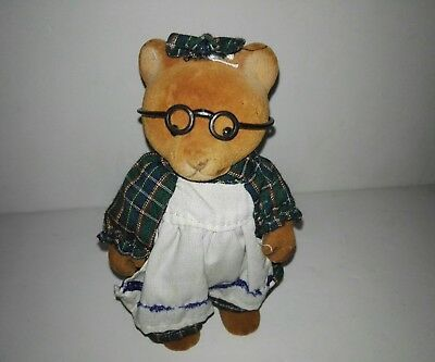 Forest Families Bear (girl)With dress and glasses (Barenwald Sylvanian Families