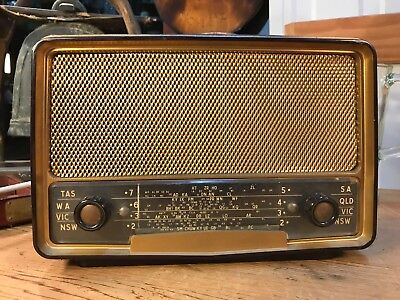 Vintage Philips Model 165A Bakelite Collectors Radio