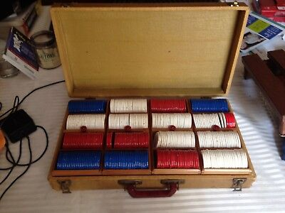 Vintage Poker chip case with bakelite handle