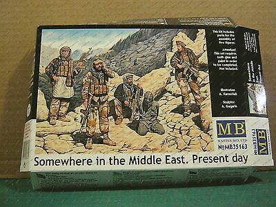 1/35 Somewhere in the Middle East, Present Day Special Ops Team w/Hostage (5)