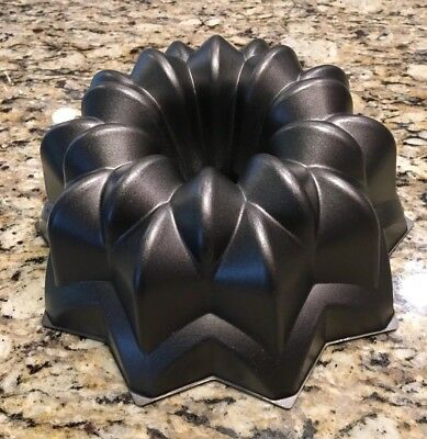 by Nordic Ware Large Cake Lifter Non-Stick
