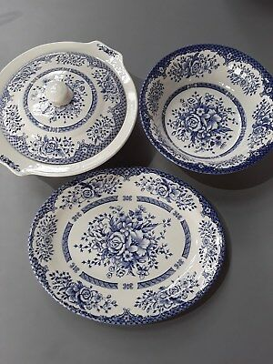 Casserole, Bowl and Plate from English Ironstone Tableware 'Kew Gardens' (B34)