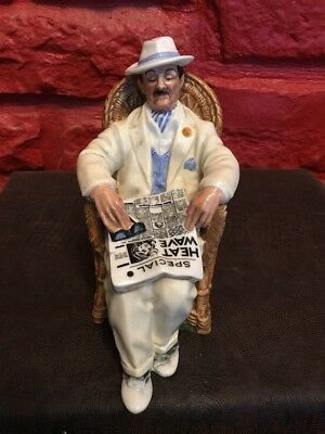 VINTAGE ROYAL DOULTON Taking Things Easy PORCELAIN FIGURINE HN 2280 RDB