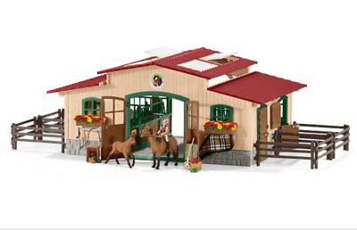 Schleich Horse Farm Stable lot with Horses and accessories