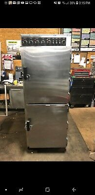Toastmaster ES-13 Electric Cook 'N' Hold Smoker Oven w/ Humidity