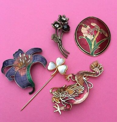A Job Lot Of Vintage Brooches Some Tlc Needed