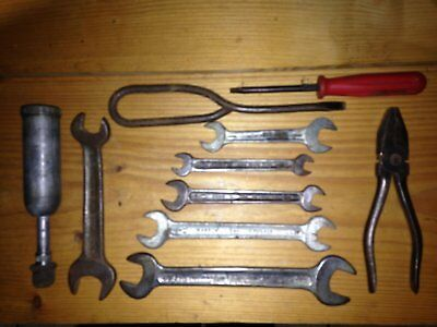 Land Rover Series 2A Series 3 Tool Kit With Tecalemit Grease Gun & Spanners