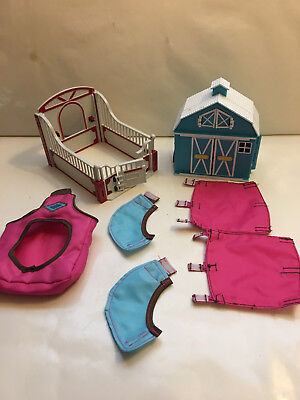 Breyer Horse Playset part lot, Stall, Small Barn, Cloth Jackets & Bag, Clean