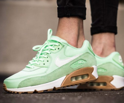 hot sale online c6ab8 d2572 Nike Air Max 90 Women s Trainers Size UK 6 EU 40 325213 307