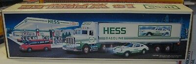 1992 Hess 18 Wheeler Truck and Racer New In Box MINT