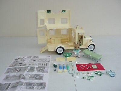 Sylvanian families Ambulance with accessories