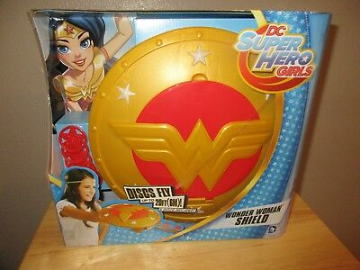 DC Super Hero Girls Wonder Woman Shield Discs fly up to 20ft 5 disc Included NIB