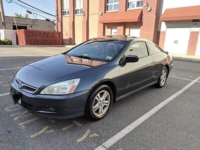 2006 Honda Accord  2006 Honda Accord EX 5 speed manual CLEAN