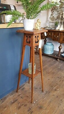 Elegant Oak 'Arts And Crafts' Plant Pot Table In Excellent Condition