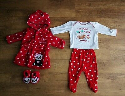 0 3 Months Baby Girl Christmas Pyjamas And Minnie Dressing Gown With
