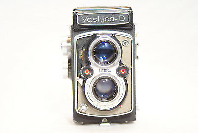 YASHICA D    6x6 TLR MEDIUM FORMAT  CAMERA -AS IS