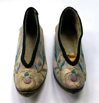 ANTIQUE/VINTAGE PR of EMBROIDERED CHINESE LADIES SHOES/SLIPPERS-not  LOTUS SHOES