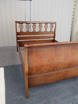 55945 QUALITY Sleigh  Queen Size Burled Bed