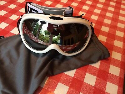 2a6f5ca1a292 Ladies NEVICA Professional ARCTIC SKI GOGGLES with Bag White New