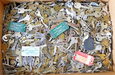 Large Collection Vintage Lot of Keys 22 Lbs Brass Car House Hotel Lock Flat