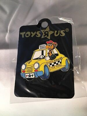 Toys R Us Geoffrey Times Square Taxi Pin New