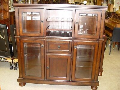 1 Buffet With Wine Rack