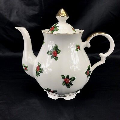 Vintage Lefton China Christmas Holly Leaves & Berries 5 cup Teapot 7948