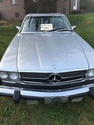 1974 Mercedes-Benz SL-Class  1974 Mercedes 450SL with low miles