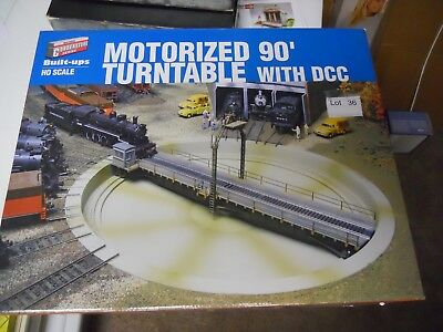 Lot 36: Walthers Cornerstone Motorized 90' Turntable with DCC NIB HO