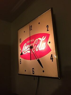 Coca Cola Pam Lighted Clock With Pull Switch