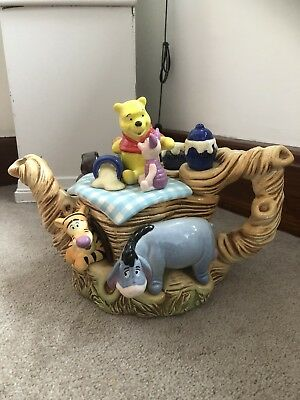 Cardew Disney Winnie The Pooh & friends Showcase limited edition large Teapot