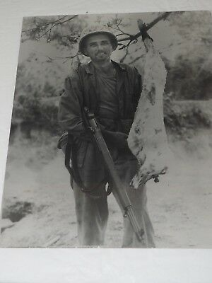 U.S.ARMY WWII PHOTO of a GI and his Dressed out Dinner with M1 GARAND 8 X 10