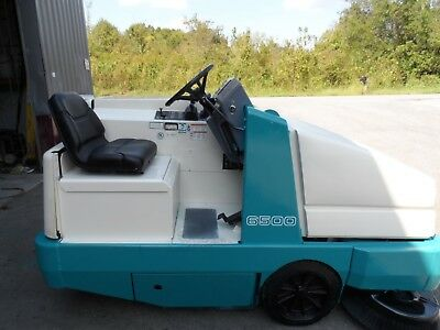 Tennant 6500 Sweeper Very low Hrs. 325 Totally serviced