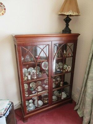 Stunning Mahogany Early 20th Century Display China Cabinet Glass Shelves