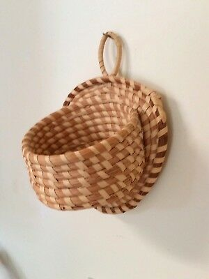 "South Carolina Gullah Sweet Grass Basket Wall Pocket - Unique Design 8.5"" by 6"""