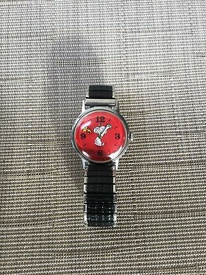1970s Vintage Snoopy Timex Red Watch Floating Woodstock Sweep.