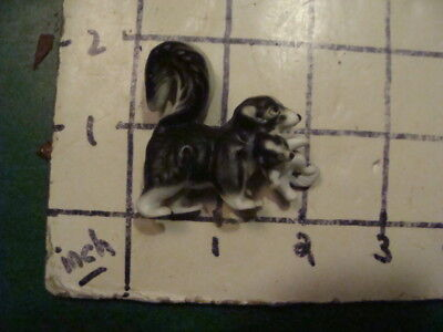 """Original Vintage SKUNK - aprox 2"""" tall, w kitten, whats a baby skunk called"""