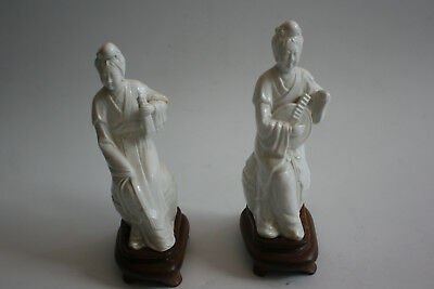 Pair of Chinese White Porcelain Woman Lady Figurine Statue on Wooden Stand
