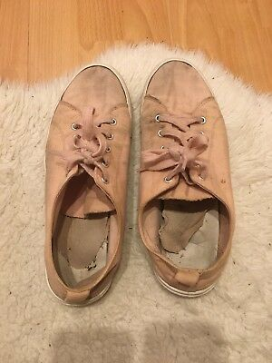 Very Well Worn Ladies Flat Lace Up Pink Pump Style Shoe Size 7