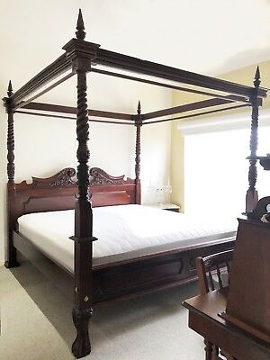 KING ANTIQUE MAHOGANY 4 POSTER CANOPY BED Rare Gold Medallion Mattress & Springs