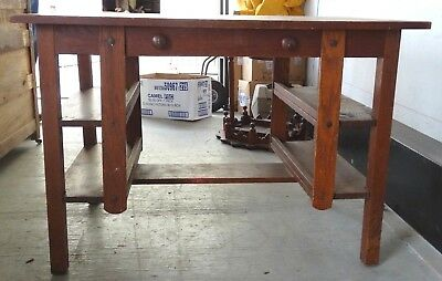 Antique Mission Arts & Crafts Style Oak Library Table Desk Wolverine Mfg. Co