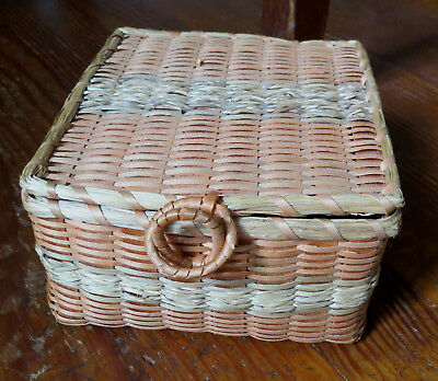 NATIVE AMERICAN SQUARE SPLINT BASKET with Sweet Grass accents Eastern US
