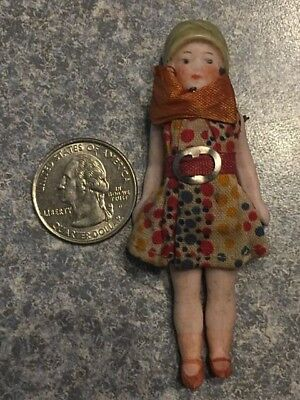 "Antique MINIATURE 3"" Bisque JOINTED FLAPPER GIRL w Hat Dollhouse DOLL"