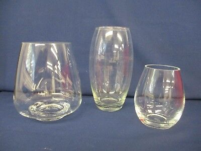 3 x Clear Glass Vases Of Differing Sizes - Approx 21.5 cm / 18 cm / 13 cm Tall