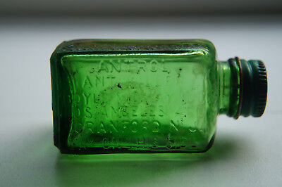 Antique Emerald Green Antrol Ant Killer Poison Bottle La & Nj