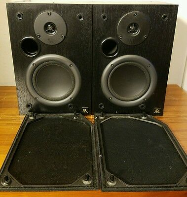 Acoustic Research AR 215PS Bookshelf Speakers