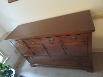 SOLID MAHOGANY Sideboard Buffet ANTIQUE DINING ROOM EXTRAVAGANCE w/ KEY FOOTED!!