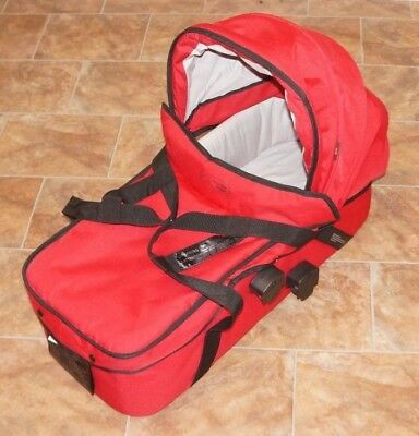 Mountain Buggy Red Bassinet - CarryCot Attachment - ede